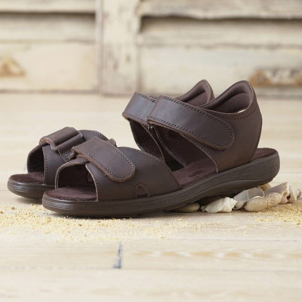 Men's Wide Fitting Sandals