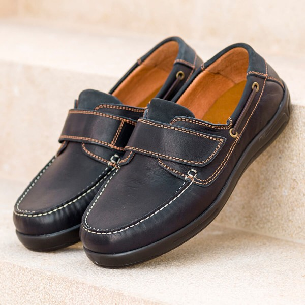 Woody Extra Roomy Shoe and men's wider fit shoes
