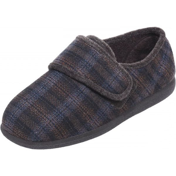 Reggie Roomy Slipper and wider fitting men's slippers